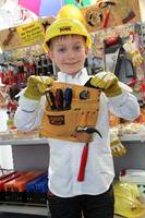 bricolaje en familia, como aprenden nuestros hijos a valorar el trabajo gracias al bricolaje
